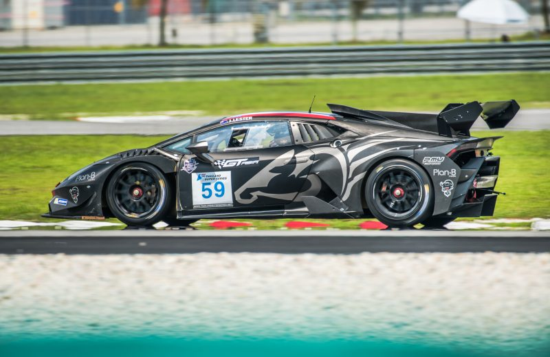 Jono Lester on track in the Lamborghini